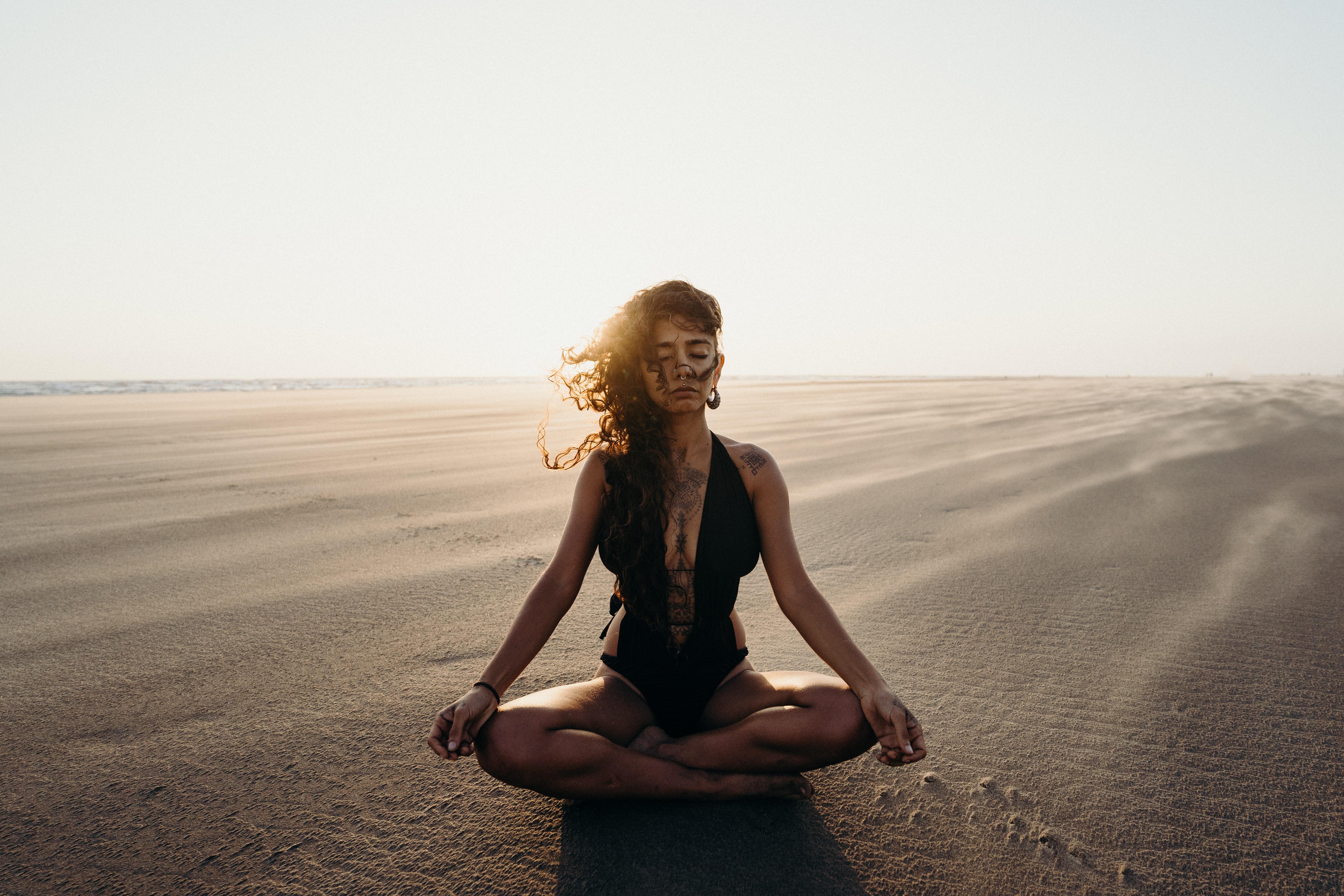 Как подключить осознанность в ежедневную жизнь медитируя