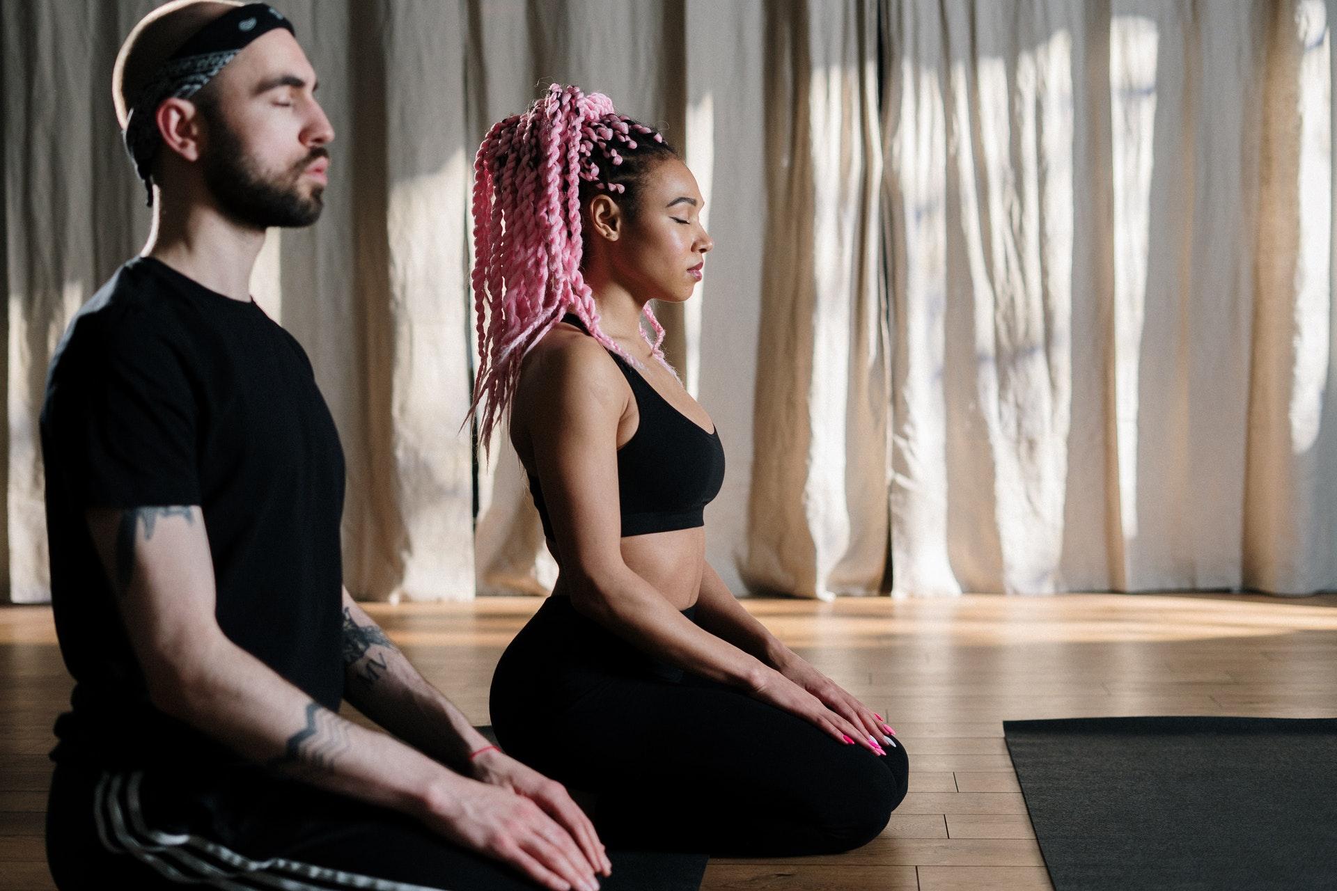 Боремся с зимней хандрой через медитацию